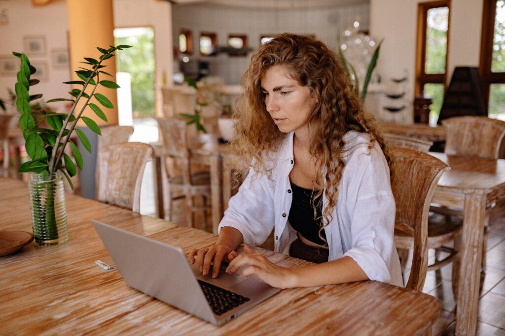 la atención al cliente de manera online ayuda mucho a las ventas
