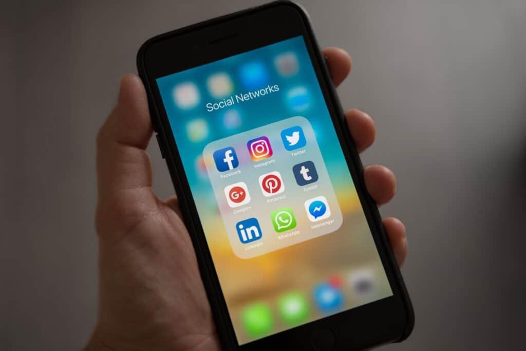 como saber que buscan los algoritmos en las redes sociales